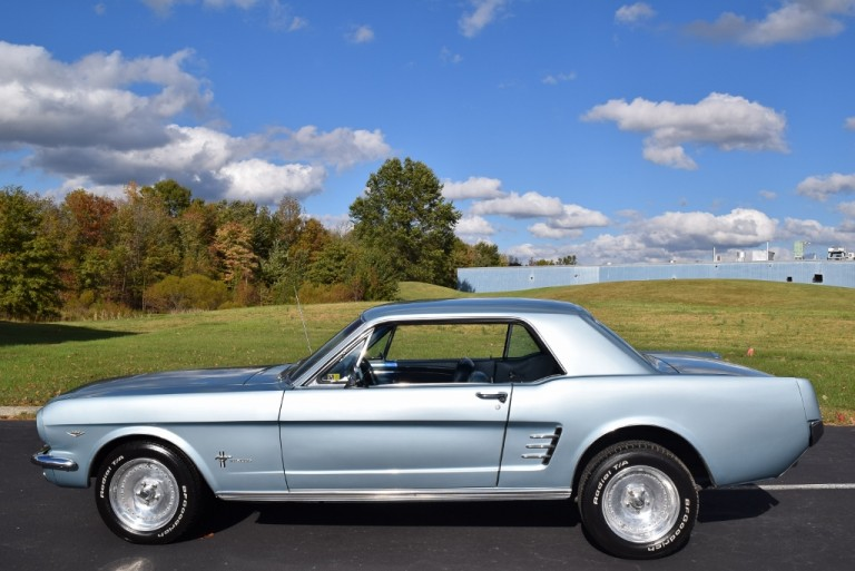 1966-Mustang-coupe-64